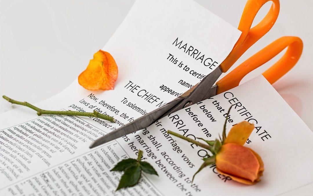 Jak wygląda sprawa o rozwód? (+wzór)
