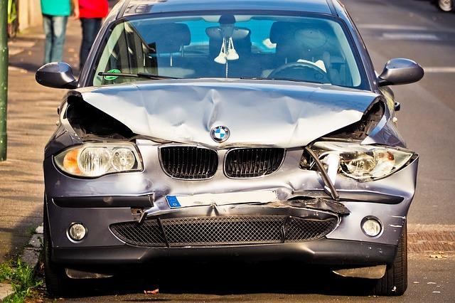 Stłuczka drogowa – co robić?